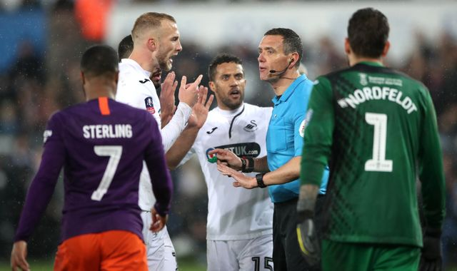 How lack of VAR helped Manchester City in thrilling FA Cup comeback against Swansea