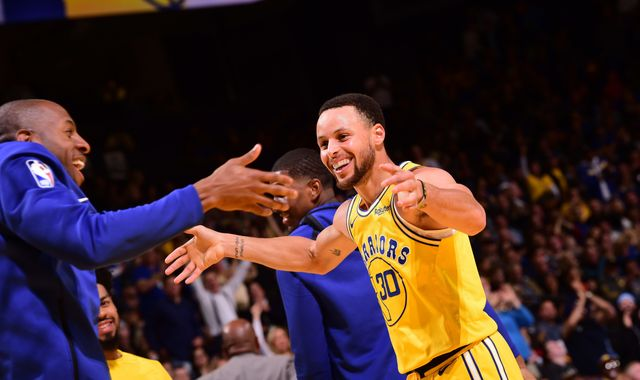 Golden State Warriors use balanced offense to blow out Indiana Pacers