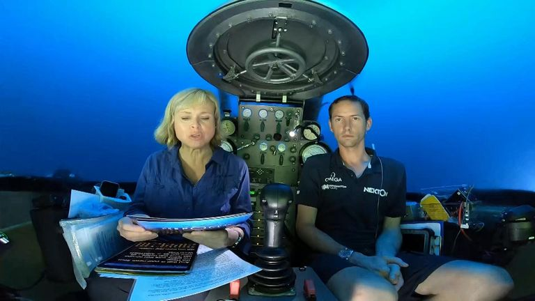 News bulletin live from the under the ocean