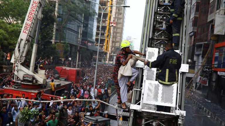 People trapped as blaze engulfs Bangladesh office block