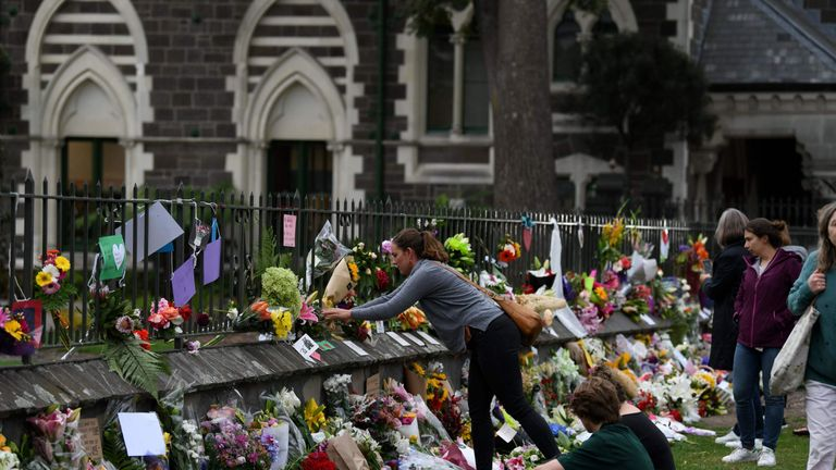 Residents pay their respects for the victims of the mosques attacks in Christchurch on March 16, 2019