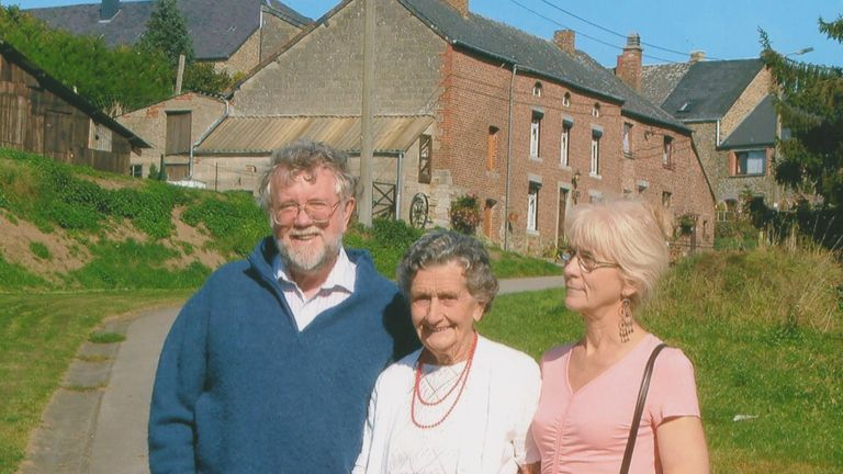 Jo Cameron, right, with her husband Jim and her mother.
