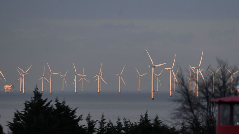 UK targets a third of power from offshore wind by 2030