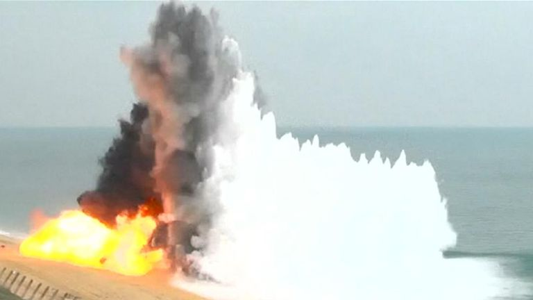 Explosions as Russia carries out drills in Crimea