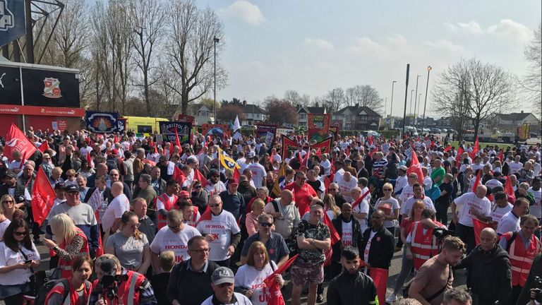 Honda workers prepare to march ahead of plans to close Swindon's plant