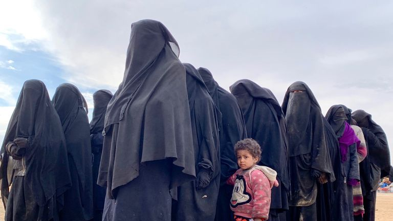 Thousands of people have left Baghouz, Syria
