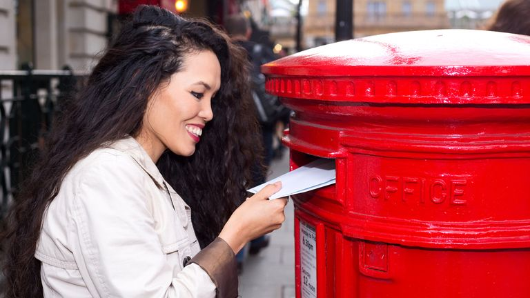 woman posts letter
