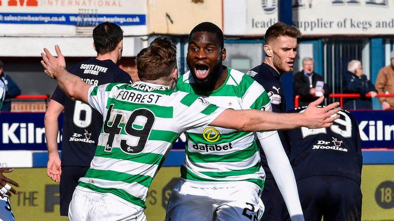 Celtic Celebrate Odsonne Edouards Late Winner At Dens Park