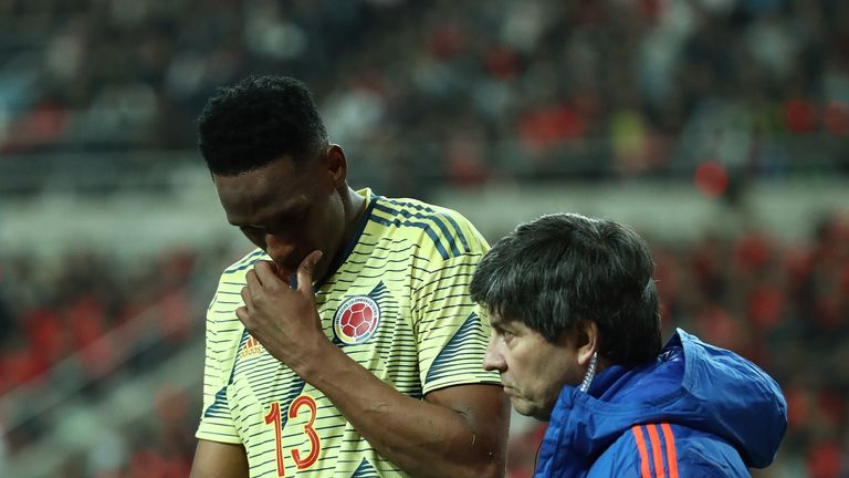Everton dealt blow as Yerry Mina suffers injury on worldwide  duty