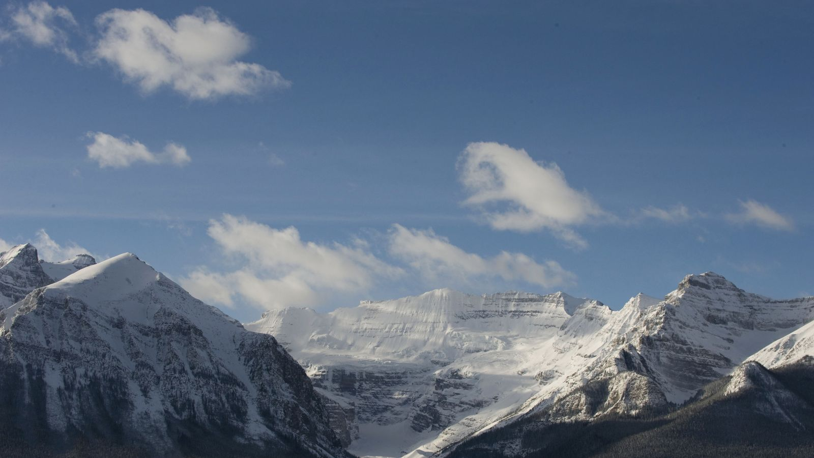 Well Known Mountain Climbers Feared Dead After Canada