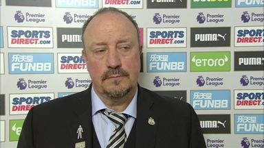 Benitez 'not too close' to new deal