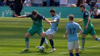 Did Vertonghen sweep Silva's legs?