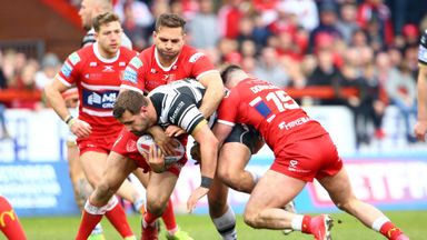 'The Hull derby splits the city'