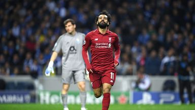 Klopp praises 'role model' Salah