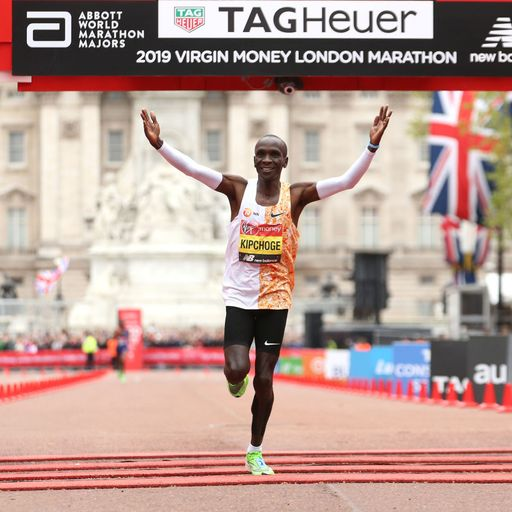 Kenyan Eliud Kipchoge wins men's race for record fourth time