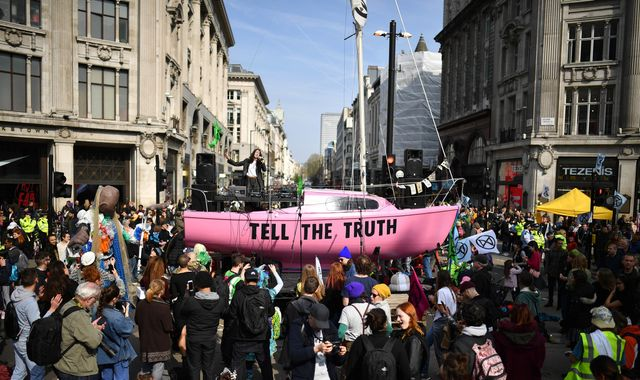 Extinction Rebellion climate change protest: 290 arrested as half a million people affected