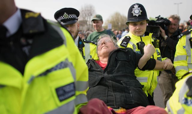 Police told to use 'full force' of law against Heathrow climate change protesters