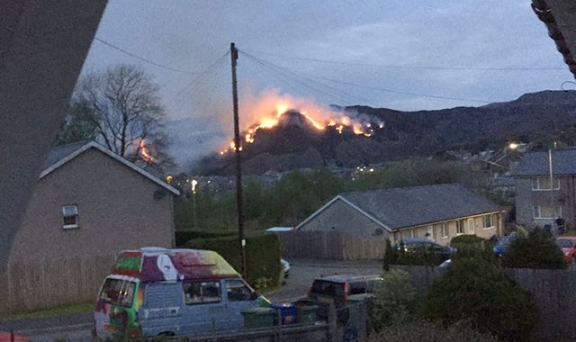 Town evacuated after mountain fire in North Wales