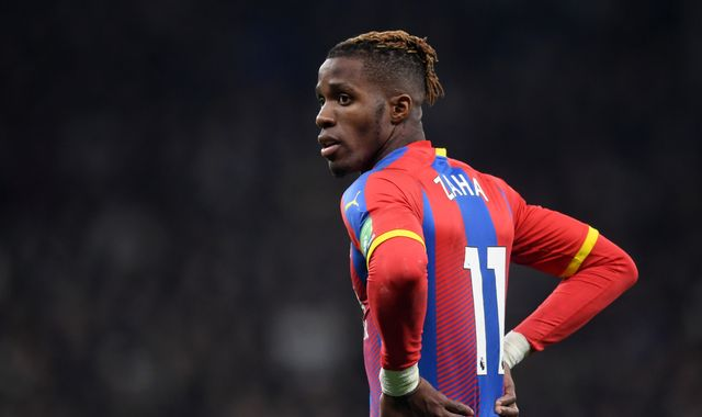 Wilfried Zaha tells Crystal Palace he wants to leave amid Arsenal interest