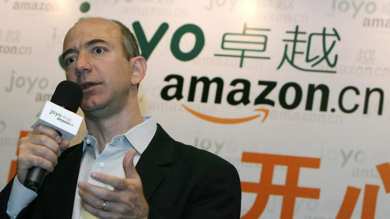 The founder and CEO of Amazon, Jeff Bezos talks to the press during a news conference in Shanghai, 07 June 2007