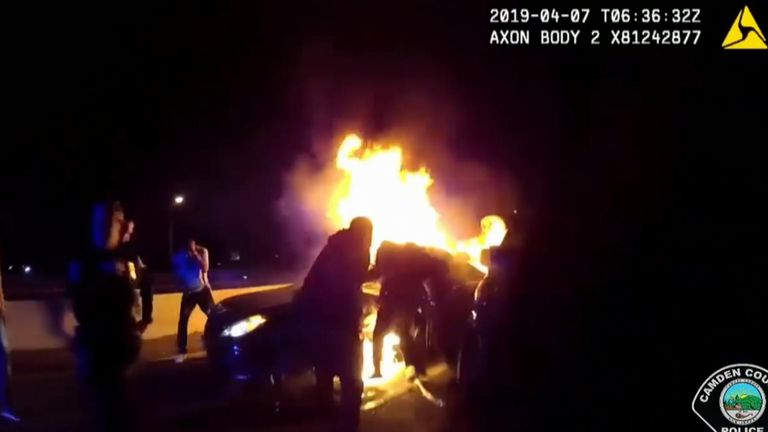 Dramatic rescue of passenger's from burning cars