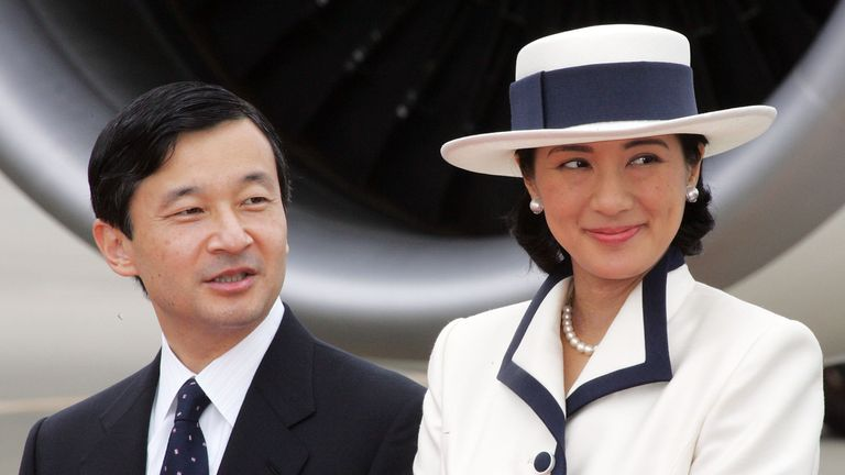 Crown Prince Naruhito (L) with his wife Crown Princess Masako