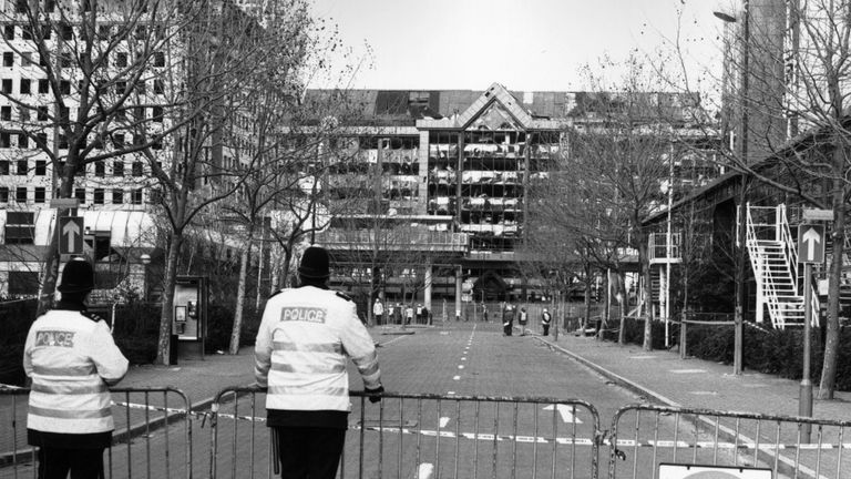 Policemen on duty at a cordoned-off street in Canary Wharf in London's Docklands, following the explosion of the bomb during the IRA ceasefire, 15th February 1996. (Photo by Steve Eason/Hulton Archive/Getty Images)