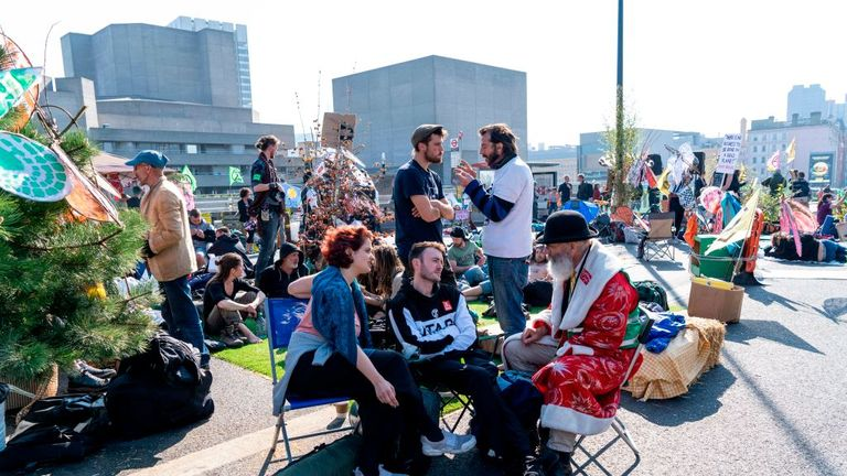 Extinction Rebellion protesters continue to block Waterloo Bridge for a sixth day