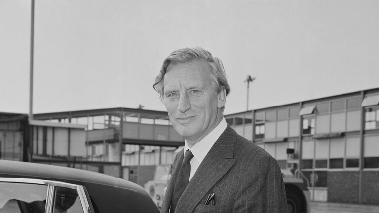 British banker Gordon Richardson (1915-2010), recently appointed Governor of the Bank of England, pictured arriving at Heathrow Airport in London on 10th July 1973. (Photo by R. Brigden/Daily Express/Hulton Archive/Getty Images)