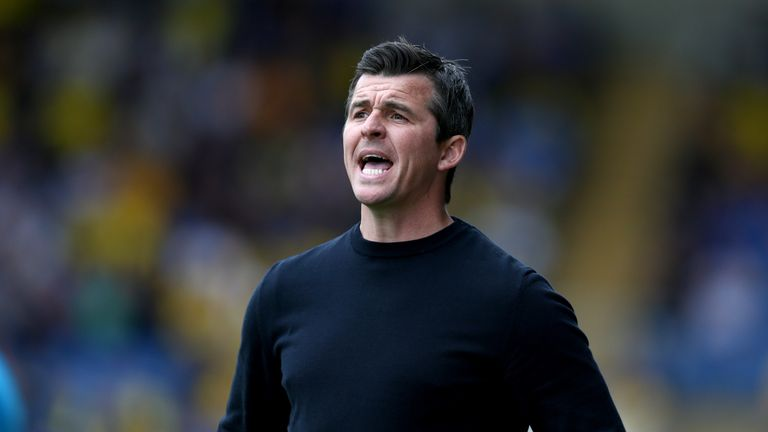 OXFORD, ENGLAND - AUGUST 11: Joey Barton manager of Fleetwood Town gestures during the Sky Bet League One match between Oxford United and Fleetwood Town at Kassam Stadium on August 11, 2018 in Oxford, United Kingdom. (Photo by Getty Images/Getty Images)