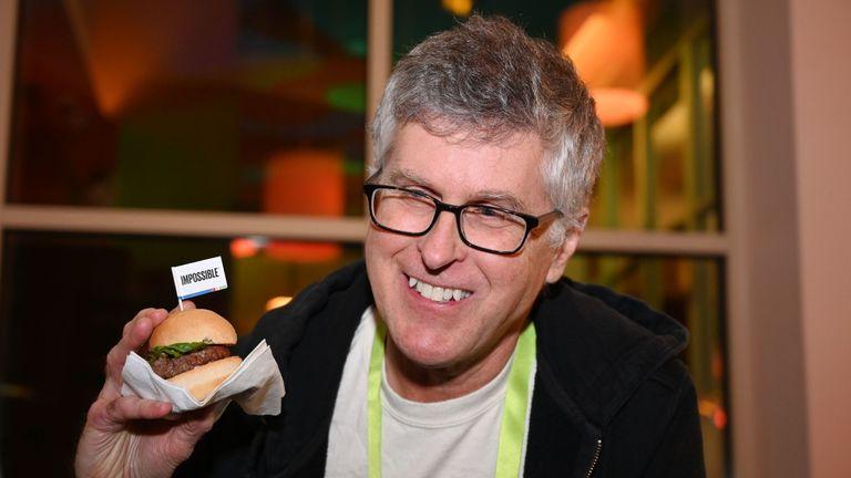 Impossible Foods Pat Brown在1月推出了新版本的patty