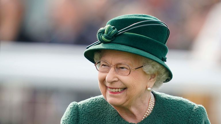 NEWBURY, ENGLAND - APRIL 13: Queen Elizabeth II attends the racing at Newbury Racecourse on April 13, 2019 in Newbury, England. (Photo by Alan Crowhurst/Getty Images)