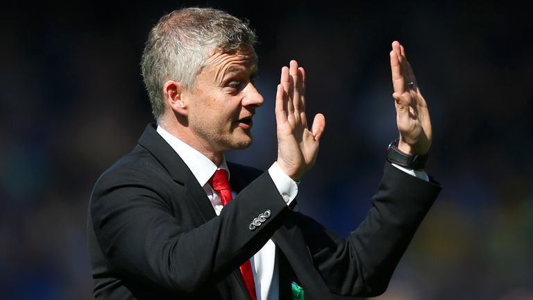 Ole Gunnar Solskjaer apologises to the Manchester United fans after the defeat to Everton.