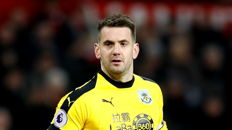 Aston Villa agree £8m deal for Burnley goalkeeper Tom Heaton