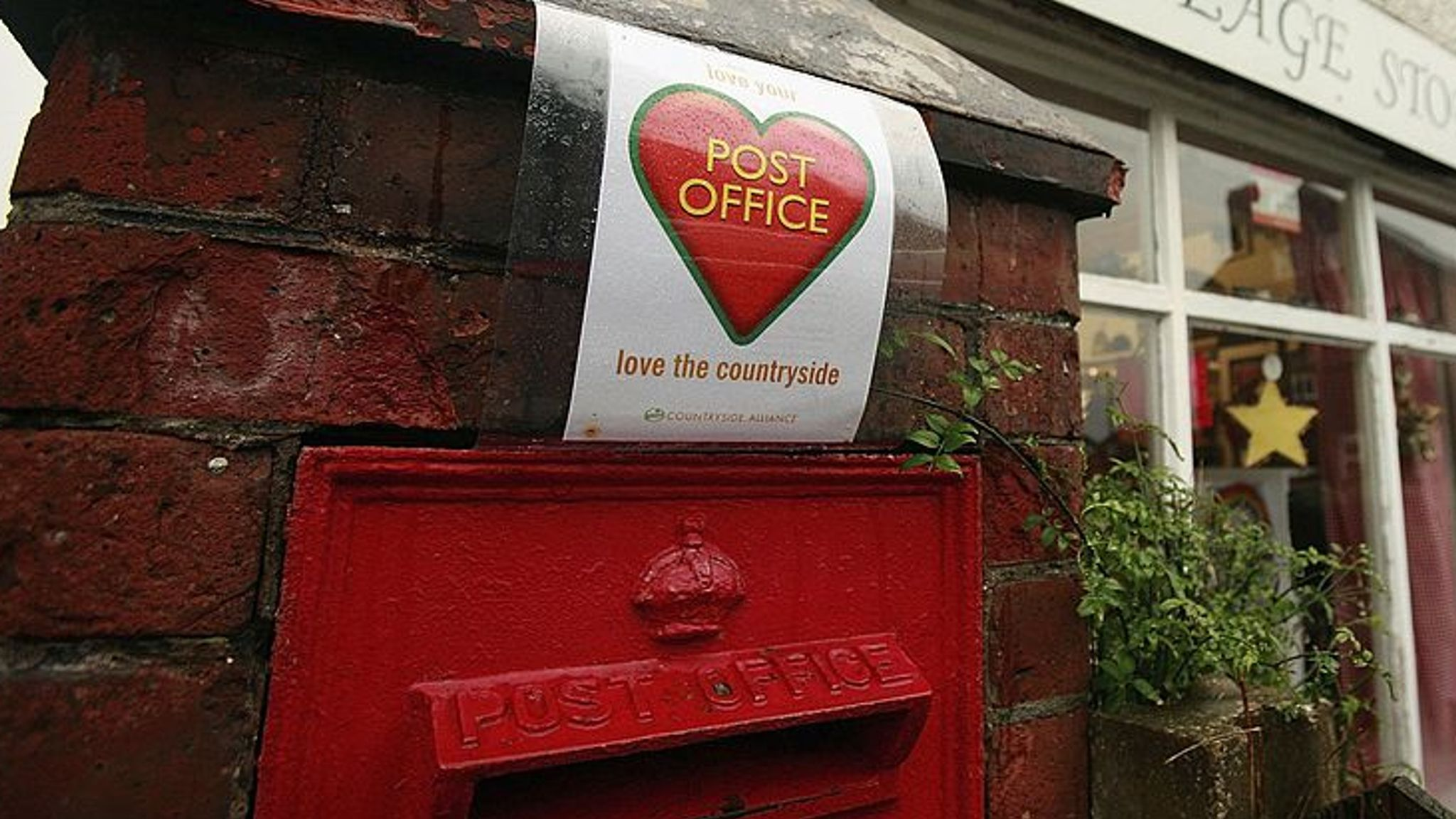Post Office and subpostmasters agree £58m settlement in IT case