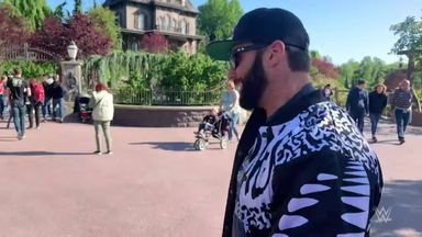 Zack Ryder visits Disneyland Paris