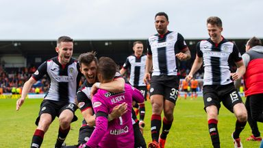 St Mirren celebrate play-off win