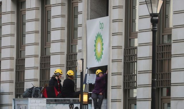 BP headquarters blockaded by climate activists