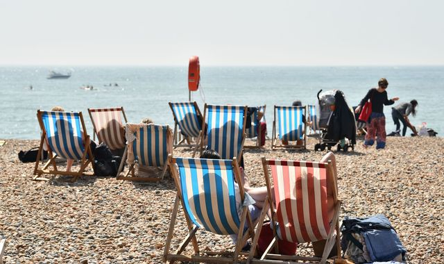 UK heatwave: Britons urged to check on neighbours as temperatures soar