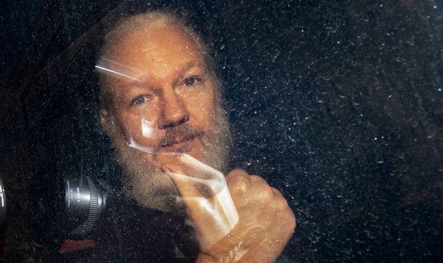 Julian Assange's belongings 'to be handed to US' - WikiLeaks