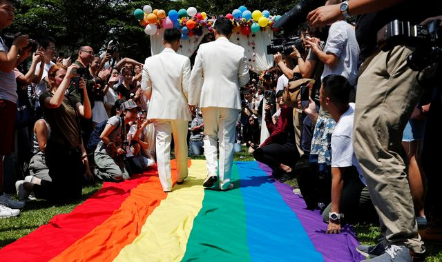 Taiwan gay marriage: Hundreds of couples tie the knot on historic day