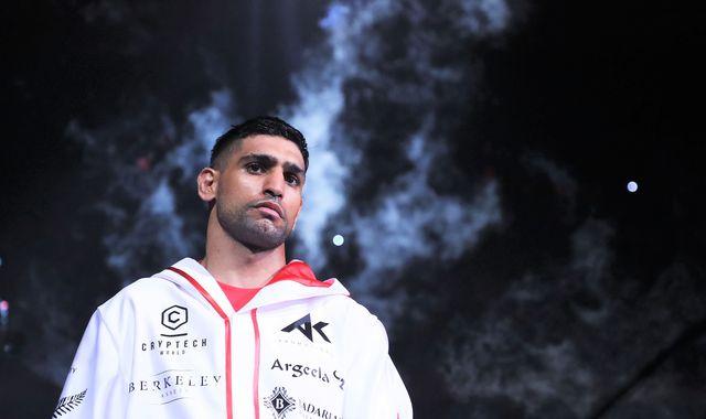 Amir Khan shines in Saudi Arabia showcase by stopping Billy Dib