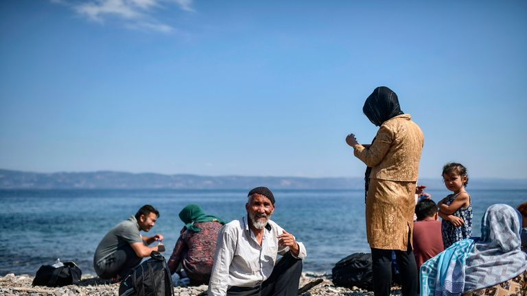 Migrants cross the sea from Turkey in to Europe