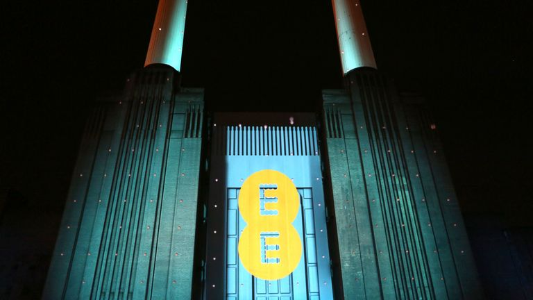 Some EE customers unable to make calls in 4G outage