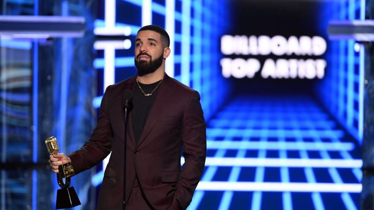 Drake accepts the Top Artist award onstage during the 2019 Billboard Music Awards at MGM Grand Garden Arena on May 01, 2019 in Las Vegas, Nevada. (Photo by Kevin Winter/Getty Images for dcp)