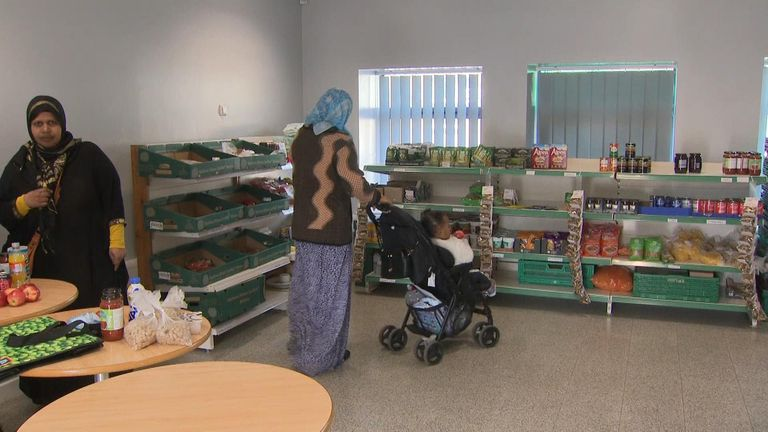 The government has defended its welfare policy in the face of criticism over how many people rely on food banks