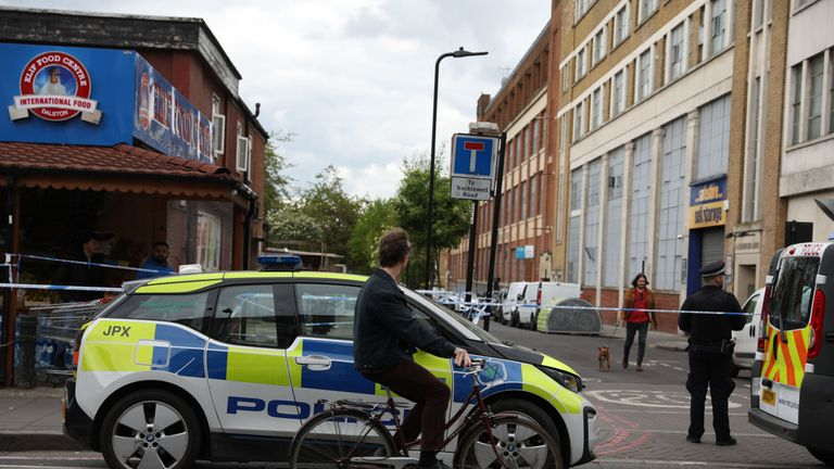 A police cordon was put up between Stoke Newington Road and Somerford Grove in Hackney