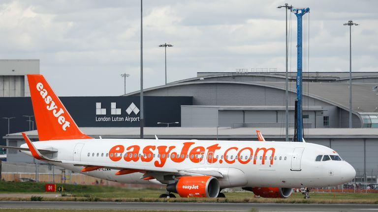EasyJet flight at Luton