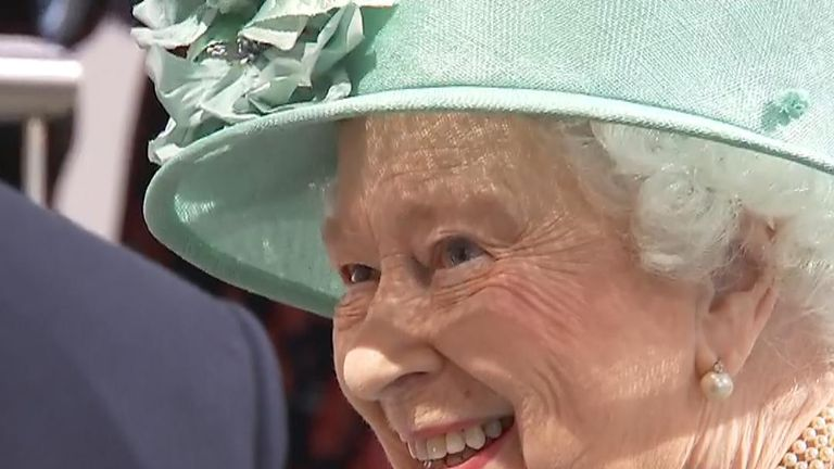 Her Majesty was shown self-service tills and asked if people could cheat them