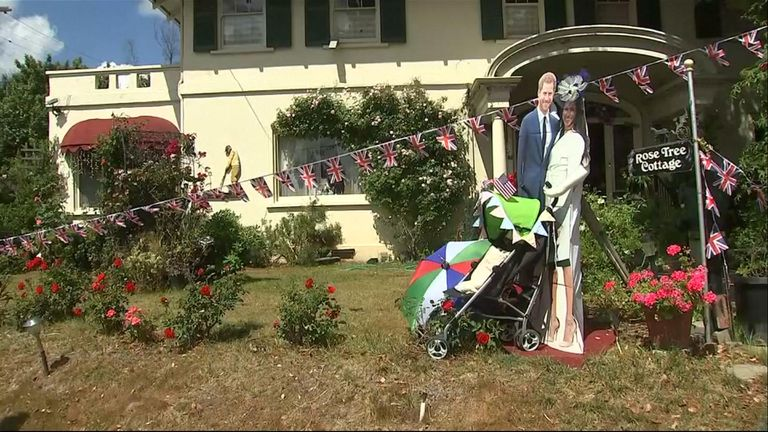 Rose Cottage Tea Room brought the Sussexes to their lawn - complete with pushchair